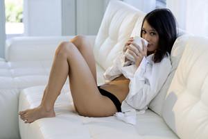 Jasmine Grey – Morning Routine 03-18w6vu3hu7es.jpg