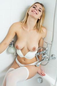 Yelena-%E2%80%93-White-Lingerie-03-20-c6vwfe0yyl.jpg