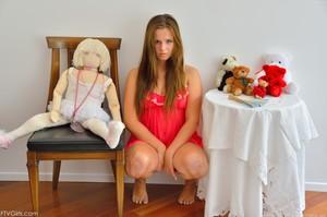 Annalynn-Pink-Girls-Anal-Play-01-24-2014-s6wbji7kmg.jpg