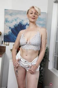 Dakota Rose @tk H@iry - Mature And Hairy