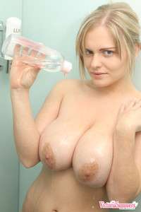 Playful-Victoria-Summers-showing-her-giant-natural-breasts-i6xtcjxxok.jpg