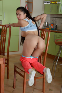 Slevie-Hot-chick-gets-drilled-in-the-kitchen--17at3fdulm.jpg