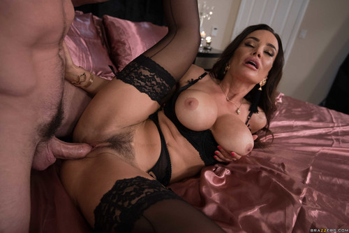 Real Wife Stories: Lisa Ann - Please Take Me Back (1080p)