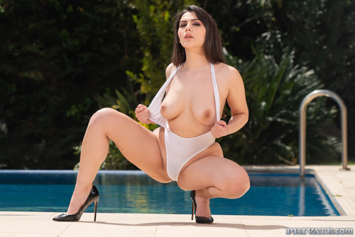 Private - Private Babe Valentina Nappi Enjoys Anal With Young Cock (1080p)